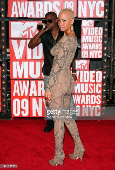 Kanye West and Amber Rose arrives at the 2009 MTV Video Music Awards at Radio City Music Hall on September 13 2009 in New York City