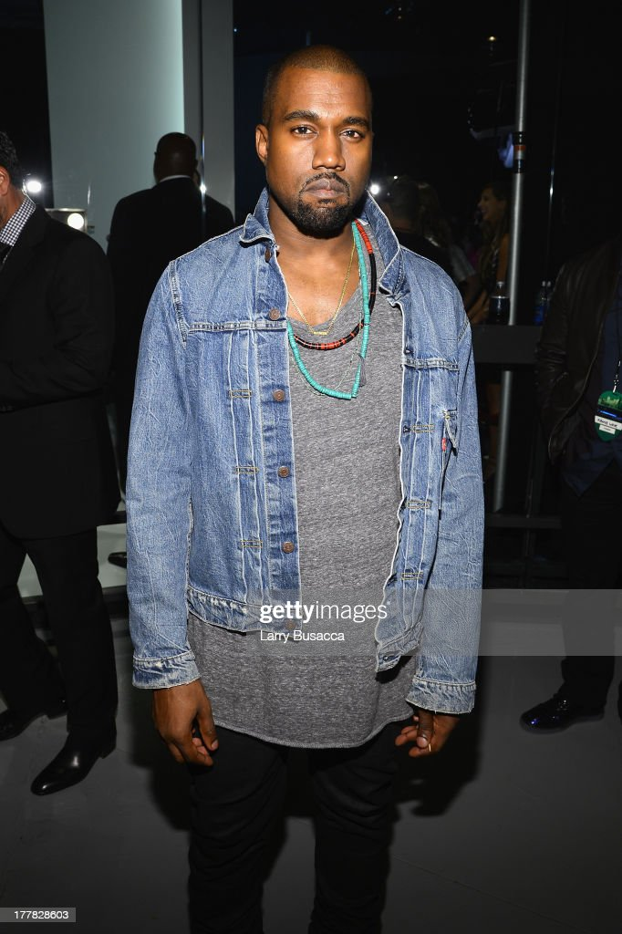 <a gi-track='captionPersonalityLinkClicked' href=/galleries/search?phrase=Kanye+West+-+Musiker&family=editorial&specificpeople=201803 ng-click='$event.stopPropagation()'>Kanye West</a> attends the 2013 MTV Video Music Awards at the Barclays Center on August 25, 2013 in the Brooklyn borough of New York City.