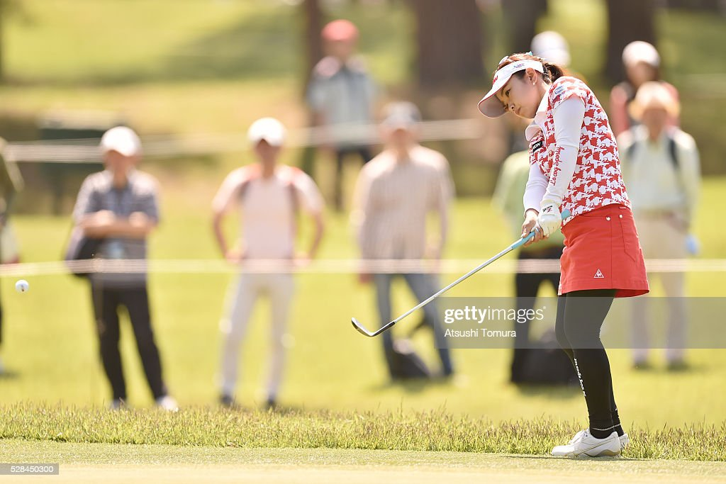 Kaori Aoyama of Japan chips onto the 2nd green during the first round of the World Ladies Championship Salonpas Cup at the Ibaraki Golf Club on May 5, 2016 in Tsukubamirai, Japan.