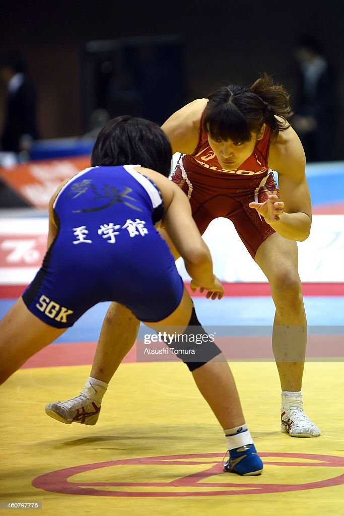 <a gi-track='captionPersonalityLinkClicked' href=/galleries/search?phrase=Kaori+Icho&family=editorial&specificpeople=2374687 ng-click='$event.stopPropagation()'>Kaori Icho</a> (Red) and <a gi-track='captionPersonalityLinkClicked' href=/galleries/search?phrase=Risako+Kawai&family=editorial&specificpeople=12551397 ng-click='$event.stopPropagation()'>Risako Kawai</a> (Blue) compete in Women's 58kg free style final match during 2014 Emperor's Cup All Japan Wresting Championship on December 23, 2014 in Tokyo, Japan.
