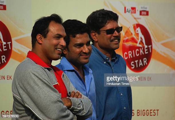Kapil Dev Sanjay Manjrekar Robin Singh at MIG for kits distribution ceremony after the 20/ 20 finals