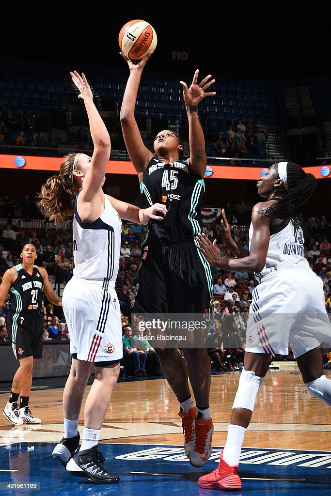 Kara Braxton #45 of the New York Liberty shoots against the Connecticut Sun on May 18, 2014 at the Mohegan Sun in Uncasville, Connecticut.