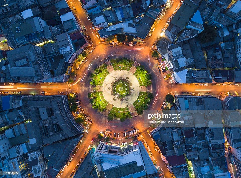 22 Karakadakhom Roundabout
