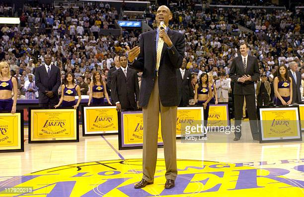 Kareem AbdulJabbar aka Lew Alcindor speaks at halftime ceremony to honor the Los Angeles Lakers 1985 NBA championship team at the Staples Center in...