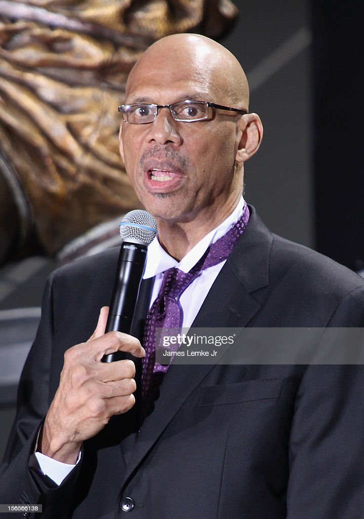 <a gi-track='captionPersonalityLinkClicked' href=/galleries/search?phrase=Kareem+Abdul-Jabbar&family=editorial&specificpeople=206219 ng-click='$event.stopPropagation()'>Kareem Abdul-Jabbar</a> attends the <a gi-track='captionPersonalityLinkClicked' href=/galleries/search?phrase=Kareem+Abdul-Jabbar&family=editorial&specificpeople=206219 ng-click='$event.stopPropagation()'>Kareem Abdul-Jabbar</a> Statue Unveiling held at the Staples Center on November 16, 2012 in Los Angeles, California.