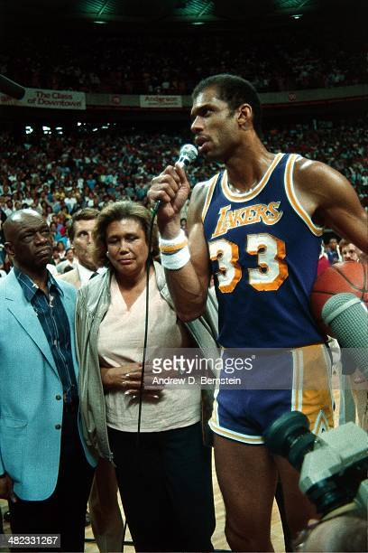 Kareem AbdulJabbar of the Los Angeles Lakers talks to the crowd during a game against the Utah Jazz at the Thomas and Mack Center on April 5 1984 in...