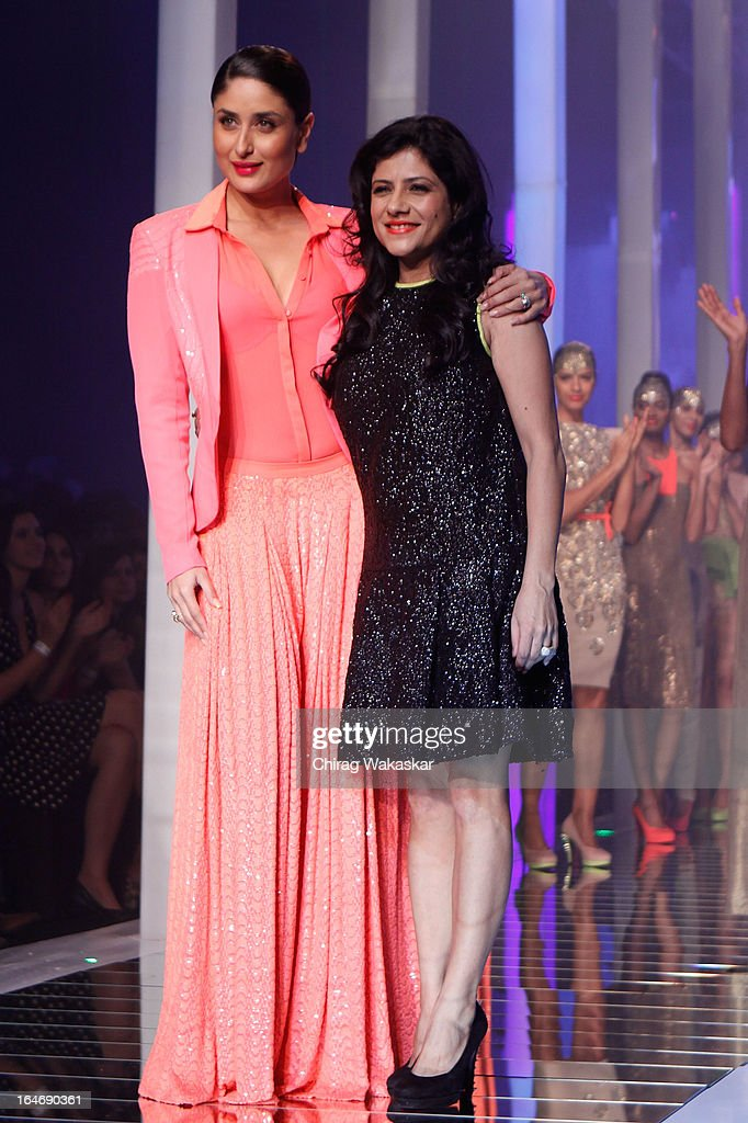 Kareena Kapoor (L) and Namrata Joshipura (R) on the runway during day five of Lakme Fashion Week Summer/Resort 2013 on March 26, 2013 at Grand Hyatt in Mumbai, India.