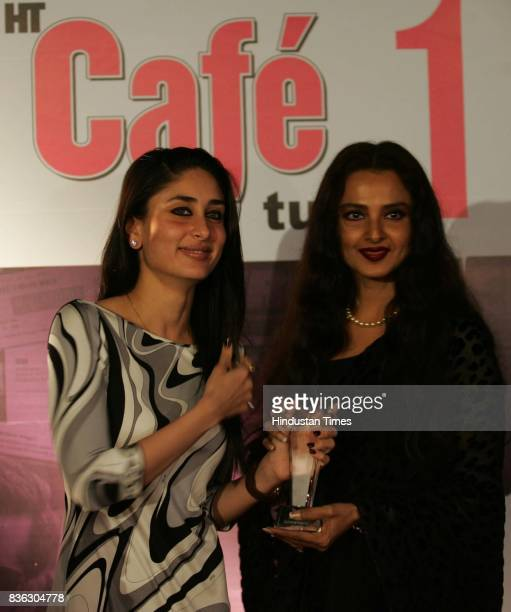Kareena Kapoor and Rekha Kareena Kapoor wins the Best Actress Award for Jab We Met at HT Cafe Awards