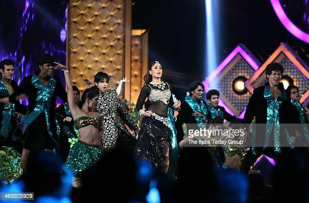 Kareena Kapoor performs at the Star Guild Awards in Mumbai