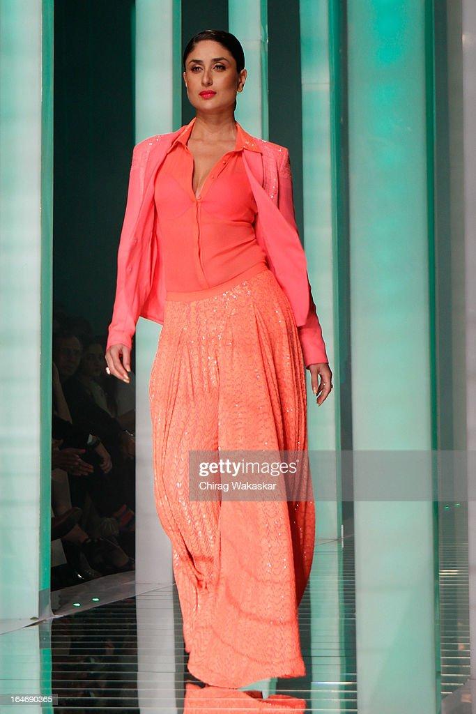 Kareena Kapoor showcases designs by Namrata Joshipura on the runway during day five of Lakme Fashion Week Summer/Resort 2013 on March 26, 2013 at Grand Hyatt in Mumbai, India.