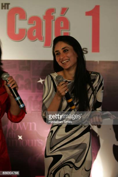Kareena Kapoor wins the Best Actress Award for Film Jab We Met at HT Cafe Awards