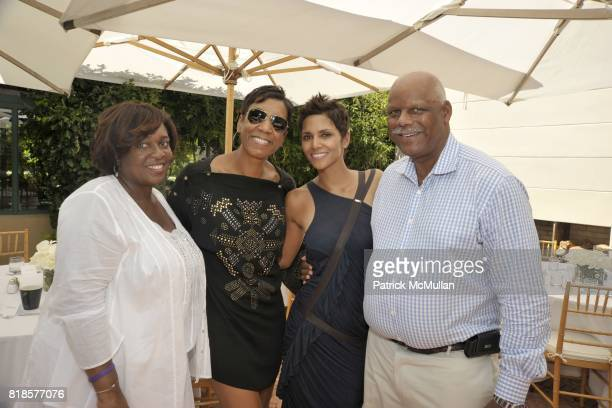 Karen Earl Jerri DeBard Halle Berry and Gregg Smith attend Halle Berry Ronald Perelman and REVLON host a luncheon for The JENESSE CENTER at Private...