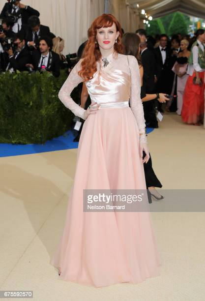 Karen Elson attends the 'Rei Kawakubo/Comme des Garcons Art Of The InBetween' Costume Institute Gala at Metropolitan Museum of Art on May 1 2017 in...