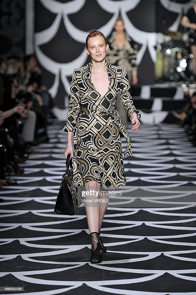 Karen Elson walks the runway at the Diane Von Furstenberg Ready to Wear Fall/Winter 2014-2015 fashion show during Mercedes-Benz Fashion Week Fall 2014 at Spring Studios on February 9, 2014 in New York City.