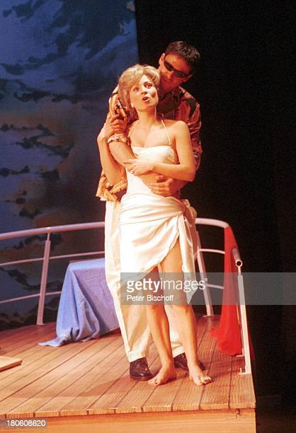 Karen Gillingham Darsteller des 'Dodi Al Fayed' Musical Probe 'Lady Di Diana Ein Lächeln verzaubert die Welt' Wolfen 'Kulturhaus' Bühne Aufführung...