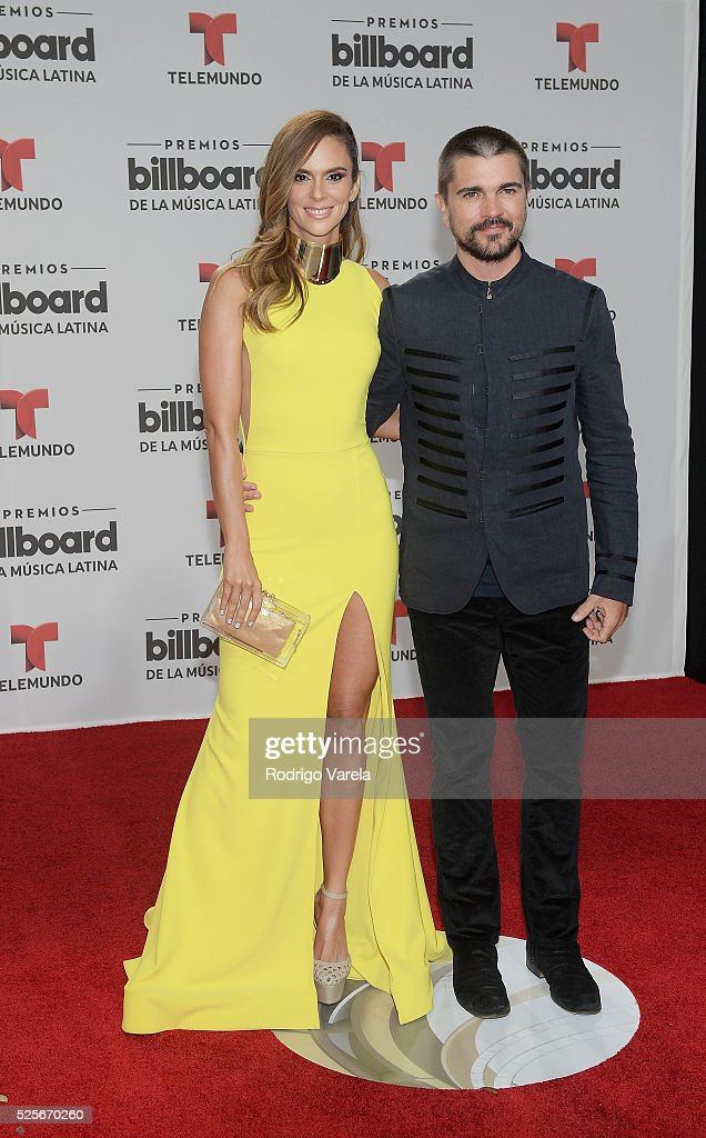 Karen Martinez y Juanes attend the Billboard Latin Music Awards at Bank United Center on April 28, 2016 in Miami, Florida.