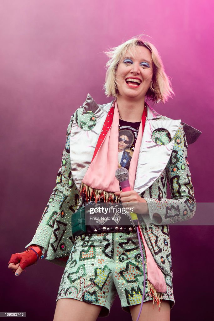 <a gi-track='captionPersonalityLinkClicked' href=/galleries/search?phrase=Karen+O&family=editorial&specificpeople=213098 ng-click='$event.stopPropagation()'>Karen O</a> of Yeah Yeah Yeahs performs during the 2013 Hangout Music Festival on May 19, 2013 in Gulf Shores, Alabama.
