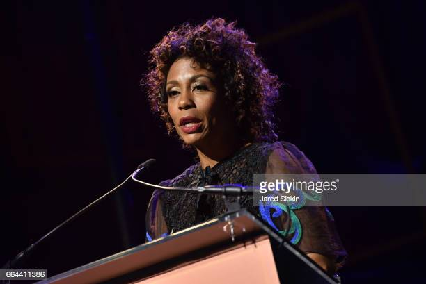 Karen pittman stock photos and pictures getty images for Tisch schmal