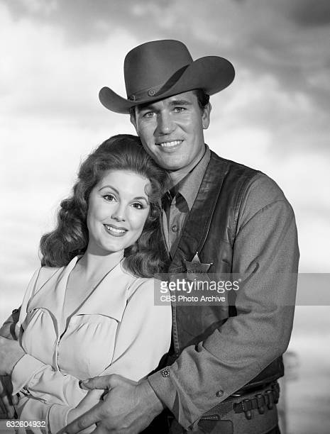Karen Sharpe as Laura Thomas and Don Durant as Johnny Ringo star in the CBS western television program 'Johnny Ringo' Image dated July 24 Hollywood CA