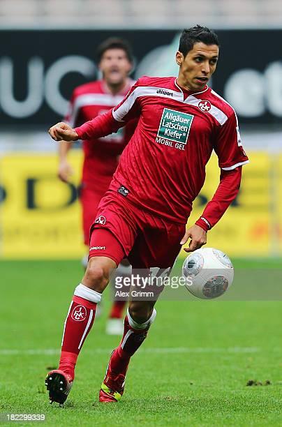 Karim Matmour of Kaiserslautern controles the ball during the Second Bundesliga match between 1 FC Kaiserslautern and TSV 1860 Muenchen at...