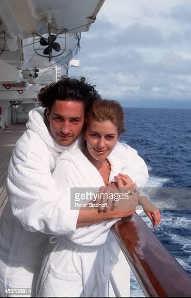 Karin Thaler Benjamin Sadler ARDReihe 'Die große Reise' Folge 'Intimfeinde' am während AmazonasKreuzfahrt mit Kreuzfahrtschiff MS 'Europa' in...