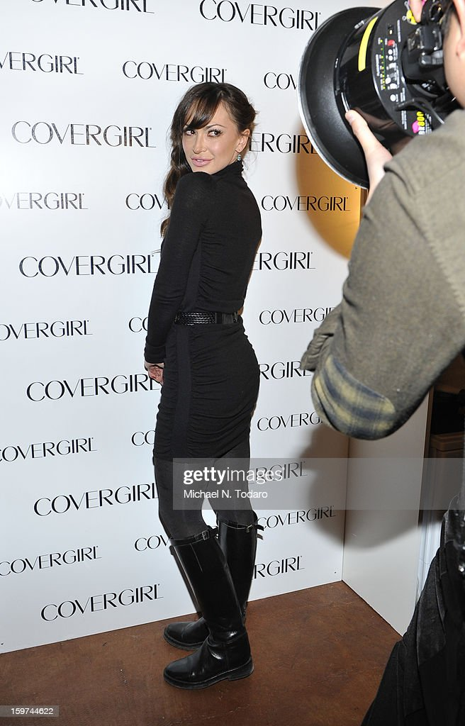 Karina Smirnoff attends the TR Suites Daytime Lounge - Day 2 on January 19, 2013 in Park City, Utah.