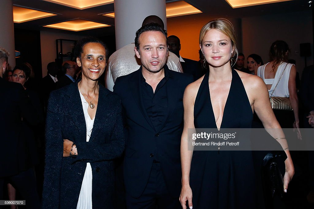 Karine Silla, <a gi-track='captionPersonalityLinkClicked' href=/galleries/search?phrase=Vincent+Perez&family=editorial&specificpeople=243109 ng-click='$event.stopPropagation()'>Vincent Perez</a> and <a gi-track='captionPersonalityLinkClicked' href=/galleries/search?phrase=Virginie+Efira&family=editorial&specificpeople=228714 ng-click='$event.stopPropagation()'>Virginie Efira</a> attend the Audemars Piguet Rue Royale Boutique Opening on May 26, 2016 in Paris, France.
