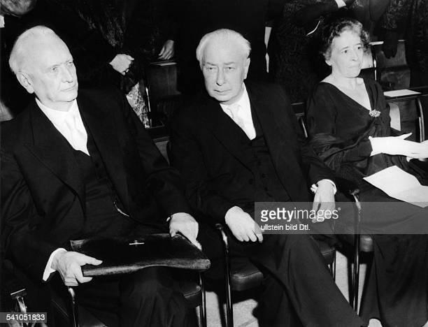 Karl Jaspers *23021883Philosoph BRDVerleihung des Friedenspreises desDeutschen Buchhandels vlJaspers Theodor Heuss und Hannah Ahrendt