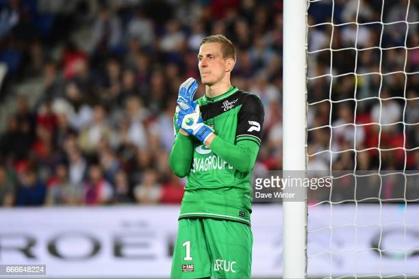 Karl Johan Johnsson of Guingamp during the French Ligue 1 match between Paris Saint Germain PSG and En Avant Guingamp at Parc des Princes on April 9...