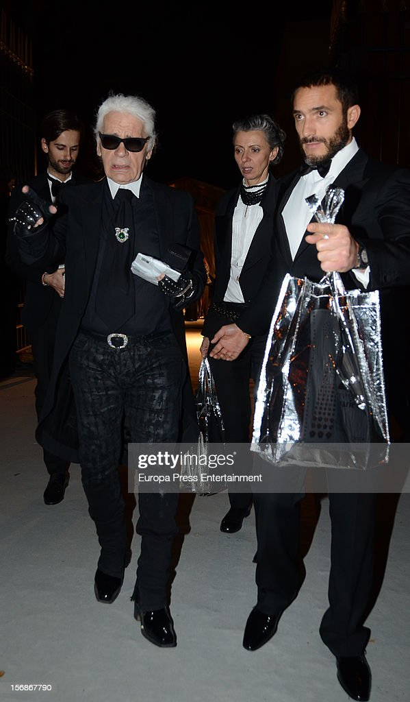 <a gi-track='captionPersonalityLinkClicked' href=/galleries/search?phrase=Karl+Lagerfeld+-+Fashion+Designer&family=editorial&specificpeople=4330565 ng-click='$event.stopPropagation()'>Karl Lagerfeld</a> arrives at Marie Claire Prix de la Moda Awards 2012 on November 22, 2012 in Madrid, Spain.