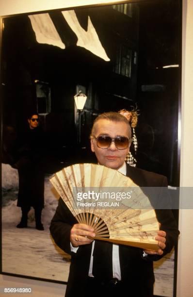 Karl Lagerfeld lance son nouveau parfum pour homme Lagerfeld Photo le 4 fevrier 1991 a Paris
