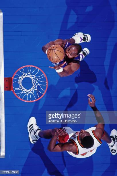 Karl Malone of the Utah Jazz shoots during the 1997 AllStar Game on February 9 1997 at Gund Arena in Cleveland Ohio NOTE TO USER User expressly...