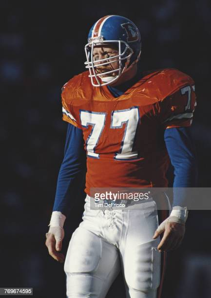 Karl Mecklenburg Linebacker for the Denver Broncos during the American Football Conference West game against the Pittsburgh Steelers on 5 November...