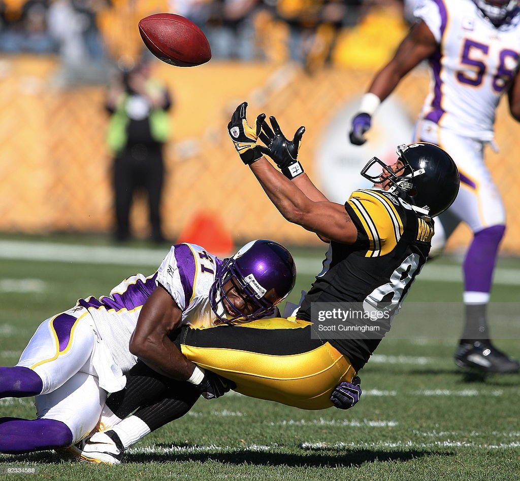 Karl Paymah #41 of the Minnesota Vikings knocks the ball loose from Hines Ward #86 of the Pittsburgh Steelers at Heinz Field on October 25, 2009 in Pittsburgh, Pennsylvania.