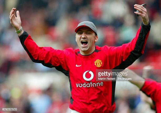 Karl Power invaded the pitch with a team of imposters to form a Manchester United lookalike team lineup before the kickoff in the FA Barclaycard...