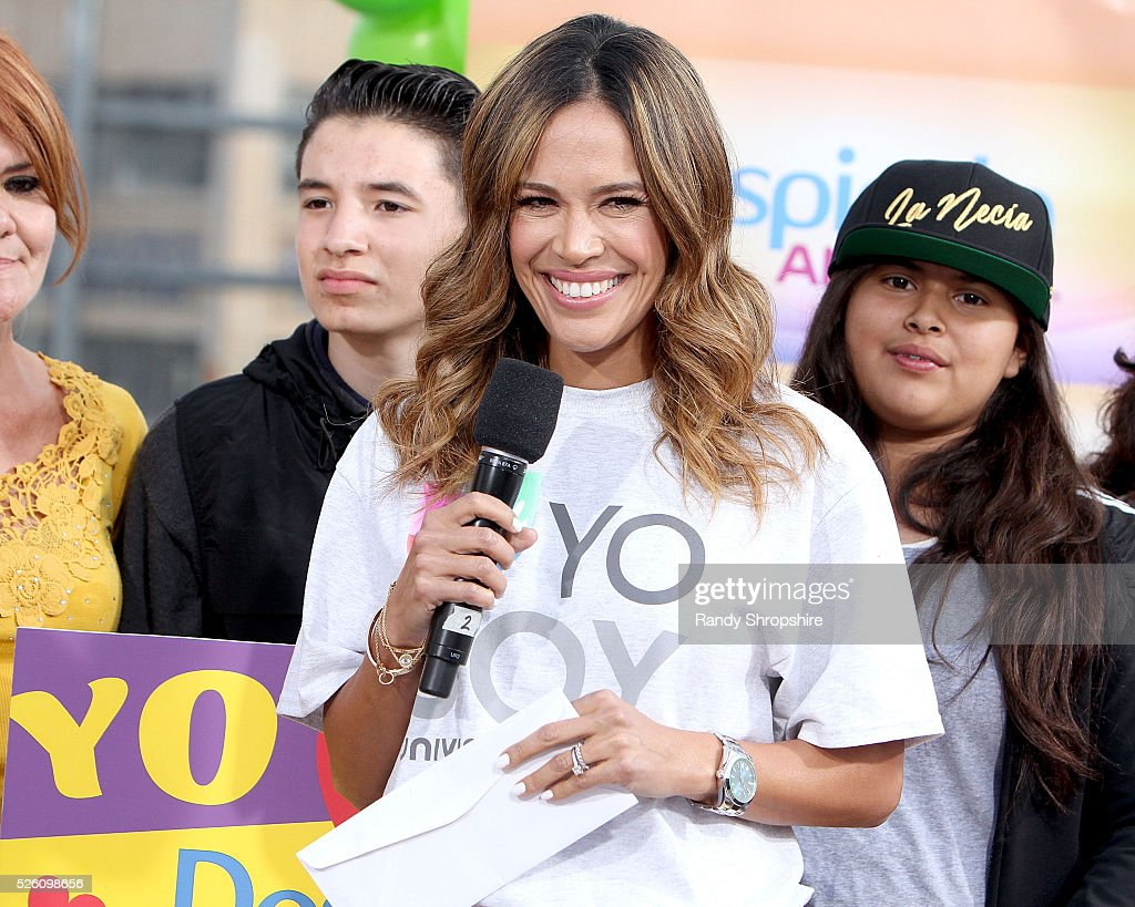 <a gi-track='captionPersonalityLinkClicked' href=/galleries/search?phrase=Karla+Martinez&family=editorial&specificpeople=732238 ng-click='$event.stopPropagation()'>Karla Martinez</a> attends Volunteer day for 'Yo Soy Univision Contigo' at Para Los Ninos Charter Middle School on April 29, 2016 in Los Angeles, California.