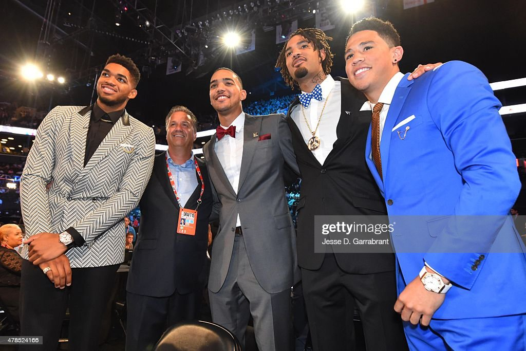 Karl-Anthony Towns <a gi-track='captionPersonalityLinkClicked' href=/galleries/search?phrase=John+Calipari&family=editorial&specificpeople=619983 ng-click='$event.stopPropagation()'>John Calipari</a> <a gi-track='captionPersonalityLinkClicked' href=/galleries/search?phrase=Trey+Lyles&family=editorial&specificpeople=8022476 ng-click='$event.stopPropagation()'>Trey Lyles</a> <a gi-track='captionPersonalityLinkClicked' href=/galleries/search?phrase=Willie+Cauley-Stein&family=editorial&specificpeople=9854040 ng-click='$event.stopPropagation()'>Willie Cauley-Stein</a> and <a gi-track='captionPersonalityLinkClicked' href=/galleries/search?phrase=Devin+Booker+-+Jogador+de+basquetebol+-+Base+-+Nascido+em+1996&family=editorial&specificpeople=12728455 ng-click='$event.stopPropagation()'>Devin Booker</a> pose for a picture before the start of the 2015 NBA Draft at the Barclays Center on June 25, 2015 in the Brooklyn borough of New York City.
