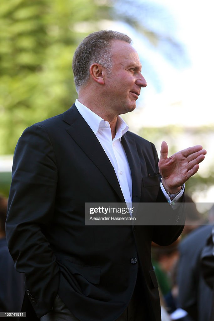 <a gi-track='captionPersonalityLinkClicked' href=/galleries/search?phrase=Karl-Heinz+Rummenigge&family=editorial&specificpeople=634867 ng-click='$event.stopPropagation()'>Karl-Heinz Rummenigge</a>, CEO of Bayern Muenchen talks to students at the German School Valencia on November 20, 2012 in Valencia, Spain.