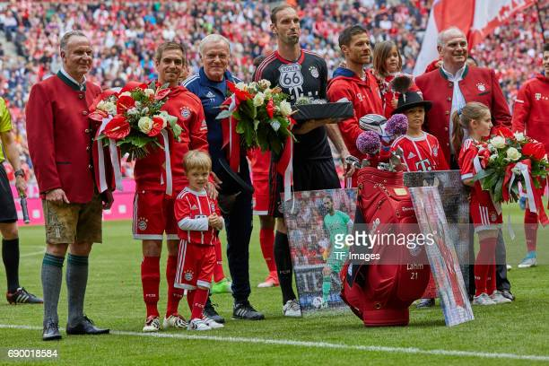 KarlHeinz Rummenigge of Bayern Muenchen Uli Hoeness of Bayern Muenchen Philipp Lahm of Bayern Muenchen CoHead coach Hermann Gerland of Bayern...