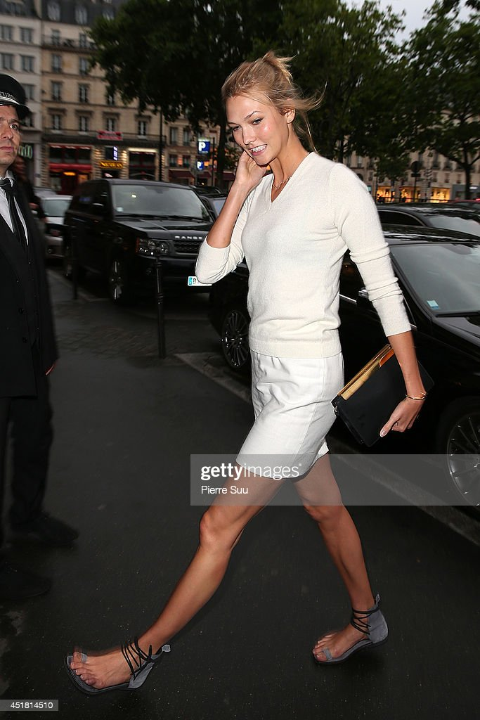 <a gi-track='captionPersonalityLinkClicked' href=/galleries/search?phrase=Karlie+Kloss&family=editorial&specificpeople=5555876 ng-click='$event.stopPropagation()'>Karlie Kloss</a> arrives at a 'Dior' dinner on July 7, 2014 in Paris, France.