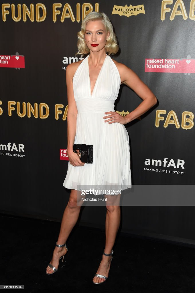 Karlie Kloss attends the 2017 amfAR & The Naked Heart Foundation Fabulous Fund Fair at Skylight Clarkson Sq on October 28, 2017 in New York City.