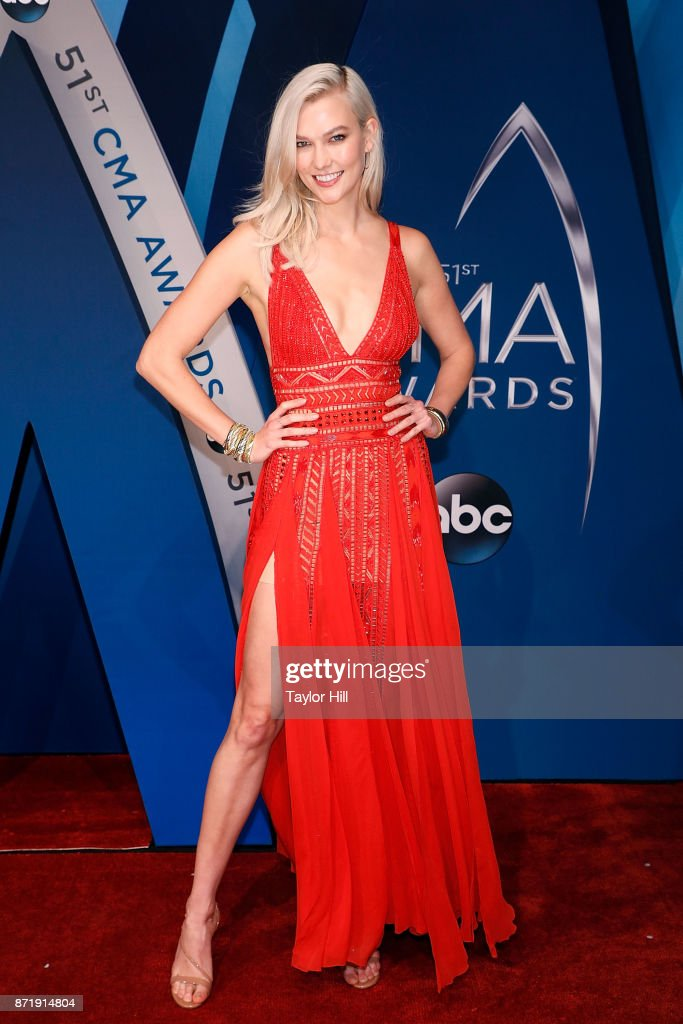 Karlie Kloss attends the 51st annual CMA Awards at the Bridgestone Arena on November 8, 2017 in Nashville, Tennessee.
