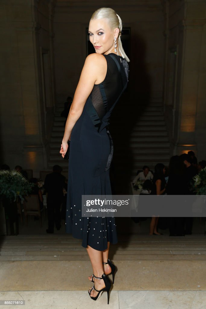 Karlie Kloss attends the Atelier Swarovski By Jason Wu dinner as part of the Paris Fashion Week Womenswear Spring/Summer 2018 on September 28, 2017 in Paris, France.