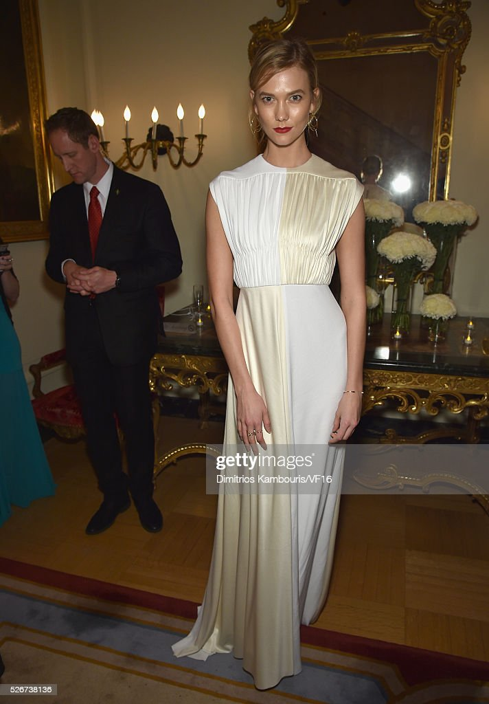 Karlie Kloss attends the Bloomberg & Vanity Fair cocktail reception following the 2015 WHCA Dinner at the residence of the French Ambassador on April 30, 2016 in Washington, DC.