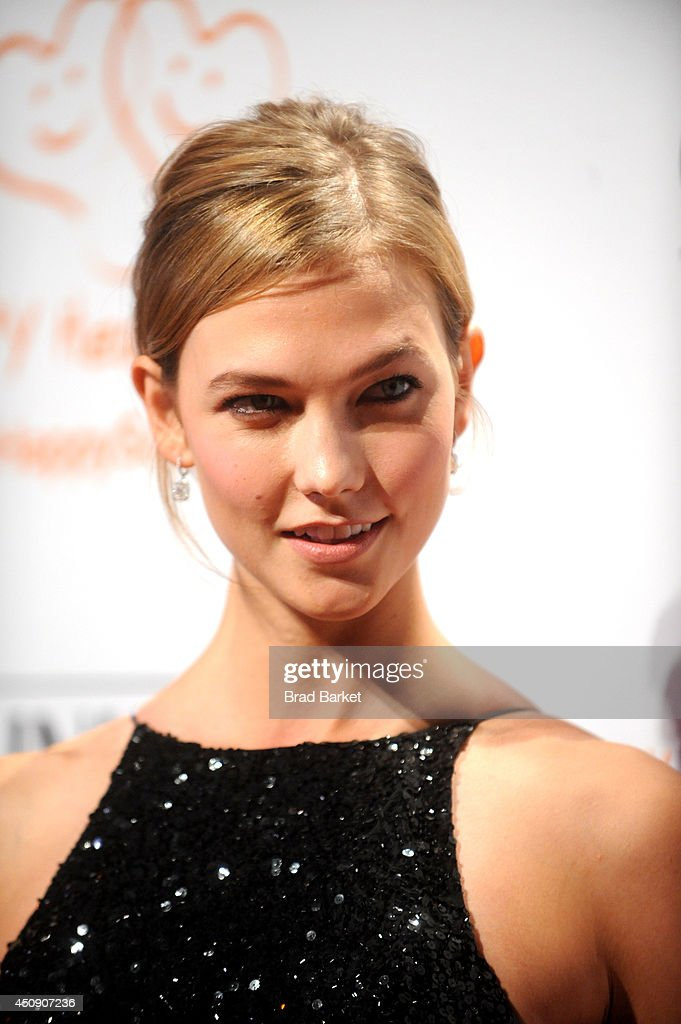 <a gi-track='captionPersonalityLinkClicked' href=/galleries/search?phrase=Karlie+Kloss&family=editorial&specificpeople=5555876 ng-click='$event.stopPropagation()'>Karlie Kloss</a> attends the Happy Hearts Fund Gala with Chopard 10 year anniversary of the Indian Ocean tsunami tribute at Cipriani 42nd Street on June 19, 2014 in New York City.