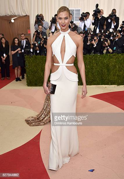 Karlie Kloss attends the 'Manus x Machina Fashion In An Age Of Technology' Costume Institute Gala at Metropolitan Museum of Art on May 2 2016 in New...