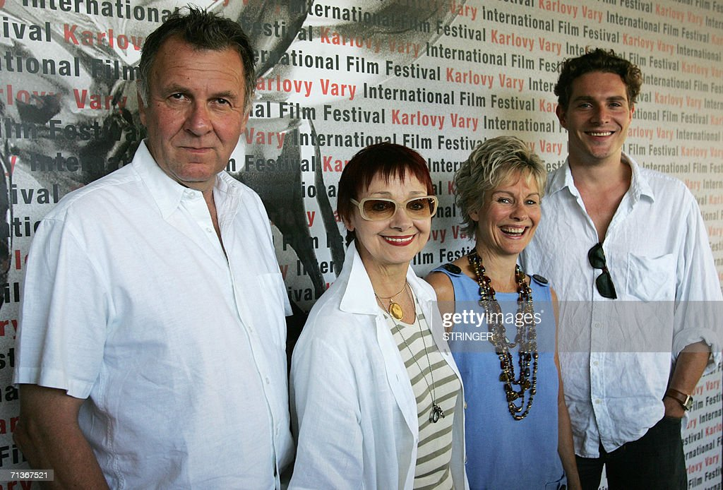 British actor Tom Wilkinson (L), his wife, British actress Diana Hardcastle (2nd-R), Italian-born Yugoslavian actress Milena Vukotic (2nd-L) and British actor Mark Umbers (R) starring in 'A Good Woman' by Mike Barker, pose 04 July 2006 in Karlovy Vary (Carlsbad) during the 41st Karlovy Vary International Film Festival (KVIFF), before the screening of the latest Barker movie. 'A Good Woman' is an attractive, sunny and witty adaptation of Oscar Wilde's play 'Lady Windermere's Fan'. The 41st KVIFF will present over 230 features, including 15 world premieres and 39 European or international premieres, from 30 June to 08 July.