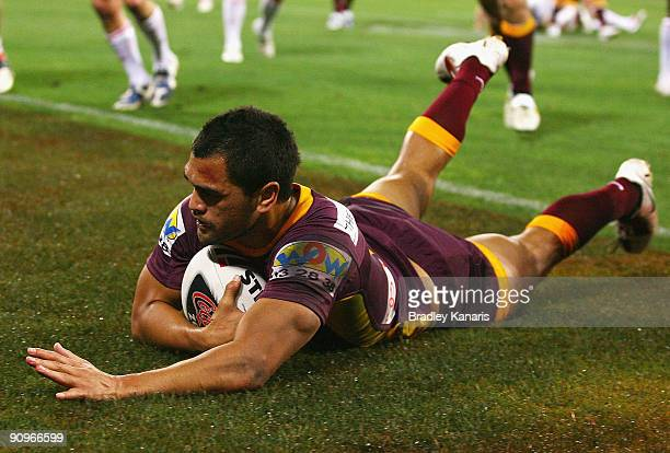 Karmichael Hunt of the Broncos scores a try during the second NRL semi final match between the Brisbane Broncos and the St George Illawarra Dragons...