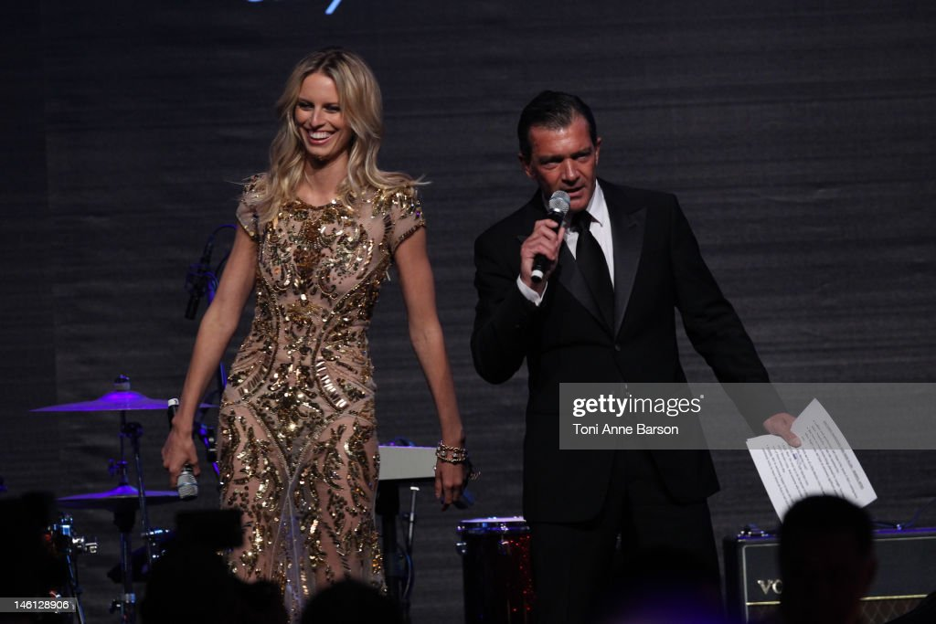 <a gi-track='captionPersonalityLinkClicked' href=/galleries/search?phrase=Karolina+Kurkova&family=editorial&specificpeople=202513 ng-click='$event.stopPropagation()'>Karolina Kurkova</a> and <a gi-track='captionPersonalityLinkClicked' href=/galleries/search?phrase=Antonio+Banderas&family=editorial&specificpeople=171176 ng-click='$event.stopPropagation()'>Antonio Banderas</a> attend amfAR's Cinema Against AIDS auction at Hotel Du Cap on May 24, 2012 in Antibes, France.
