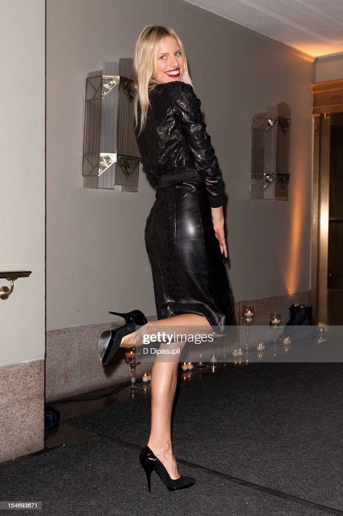 <a gi-track='captionPersonalityLinkClicked' href=/galleries/search?phrase=Karolina+Kurkova&family=editorial&specificpeople=202513 ng-click='$event.stopPropagation()'>Karolina Kurkova</a> is seen arriving at The Waldorf Towers on October 24, 2012 in New York City.